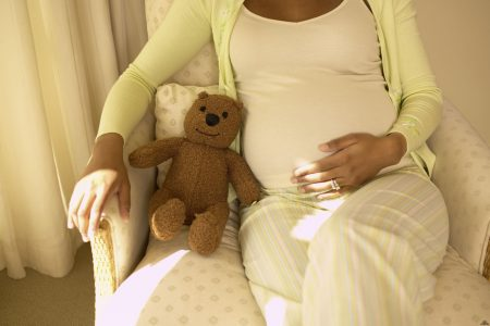 Живот на 26 неделе беременности заметно выпирает